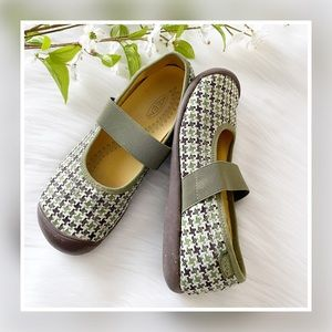 Keen Houndstooth Sienna Mary Jane Comfort Shoes